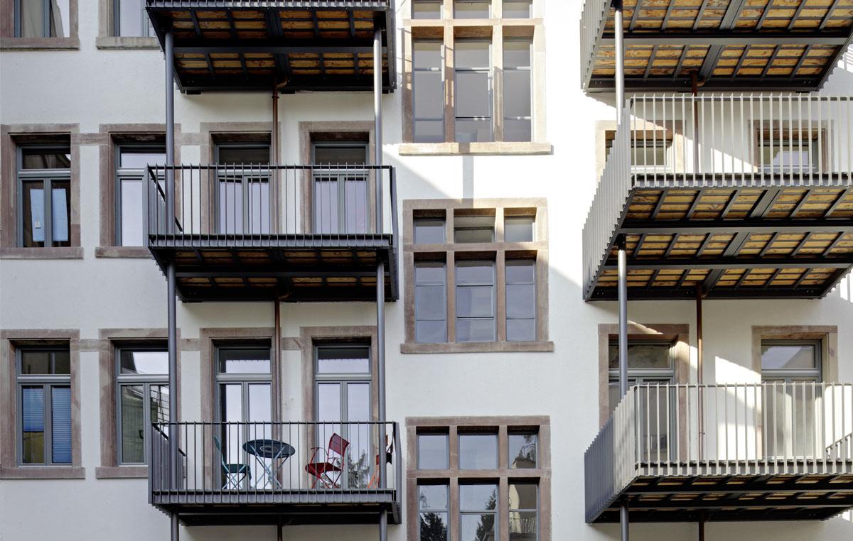 Denkmalgeschuetztes-Wohn-und-Geschaeftshaus-in-Freiburg-2