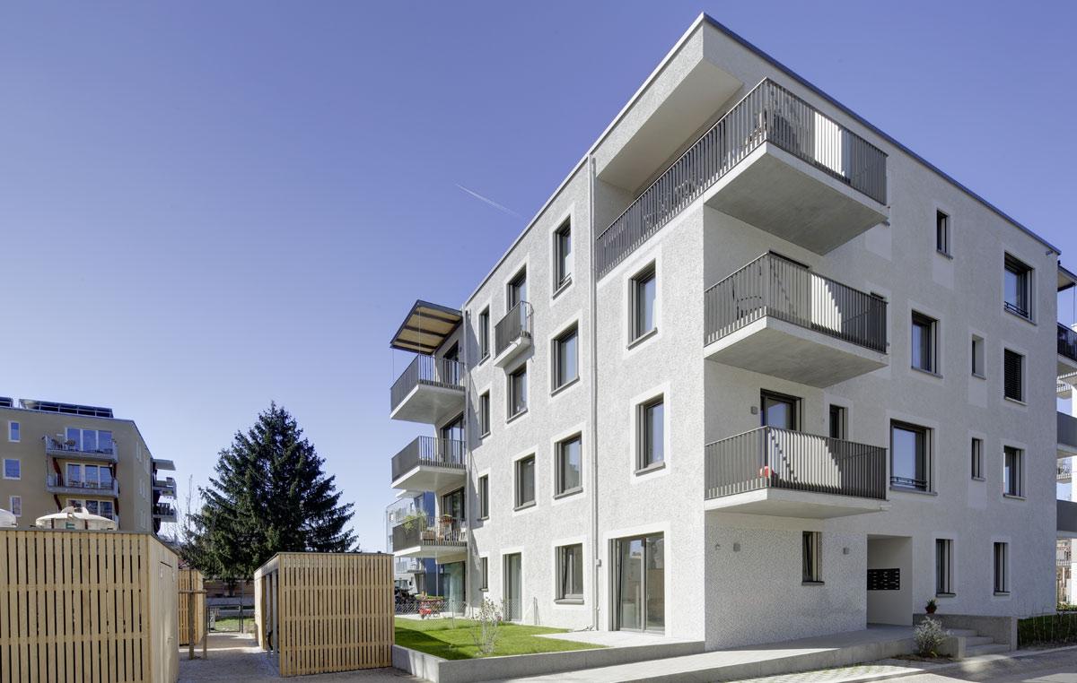 Neubau-Mehrfamilienwohnhaus-mit-mehreren-Wohneinheiten-in-Freiburg-4